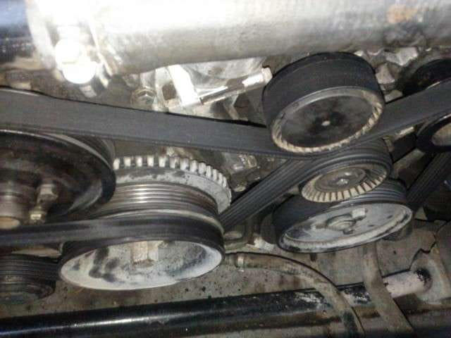 bmw e30 e36 belt replacement 3 series 1983 1999 pelican check image but i was not able to set it up as you have it here i know it should be a tight fit but it seems impossible to fit it this way